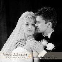 wedding photography at Hever Castle in Kent in the Italian Gardens