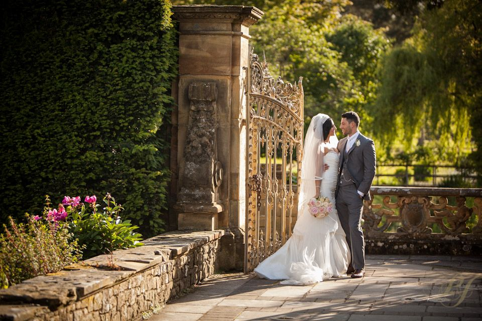 hever-castle-wedding-photography-by-paul-johnson-27