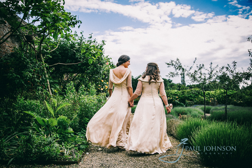 walled garden cowdray, wedding photography