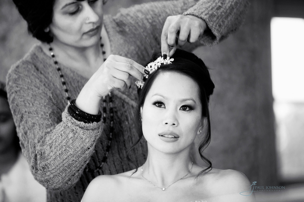 Bridal preps black & white photo, reportage