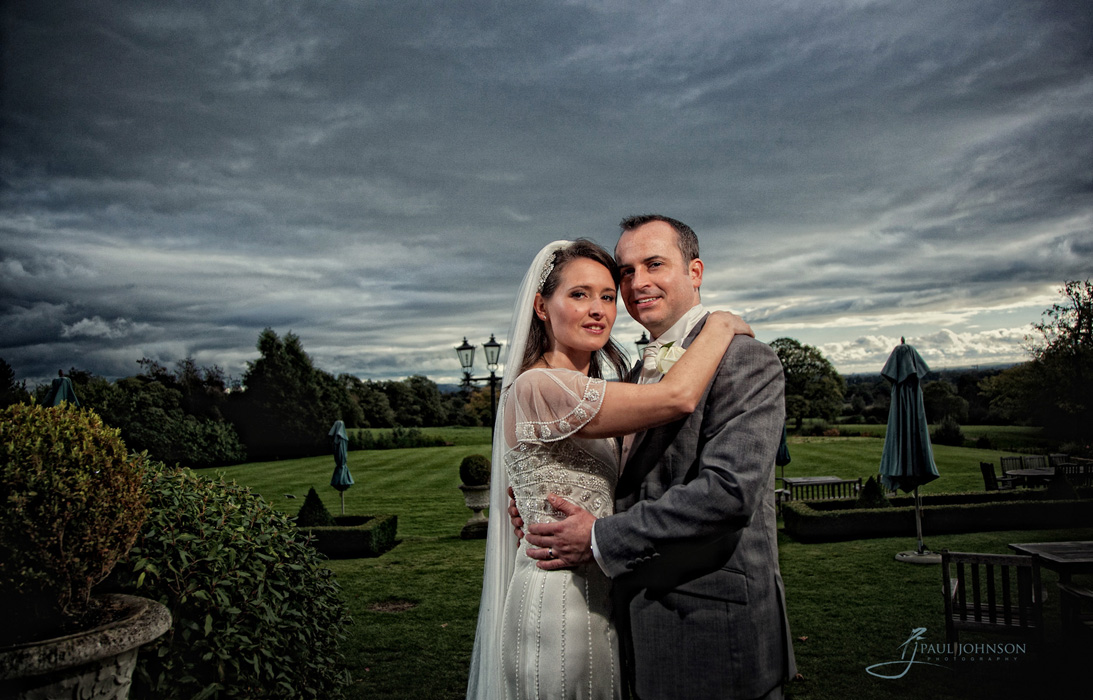 Bride & groom off camera flash at Southlodge, lower beeding