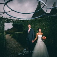 Off camera flash wedding portraits