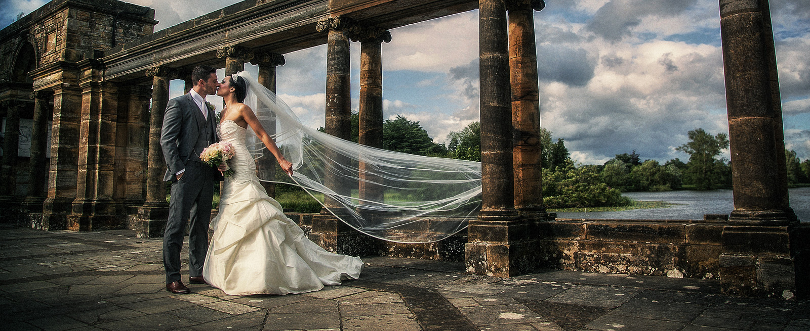 hever-castle-wedding-photo